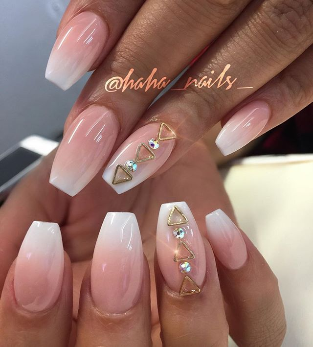 Pink And White Ombre Using Young Nails Acrylics With A Little Gold And Swarovski Bling Frenchombre Pinkandwh Coffin Nails Designs Young Nails Trendy Nails
