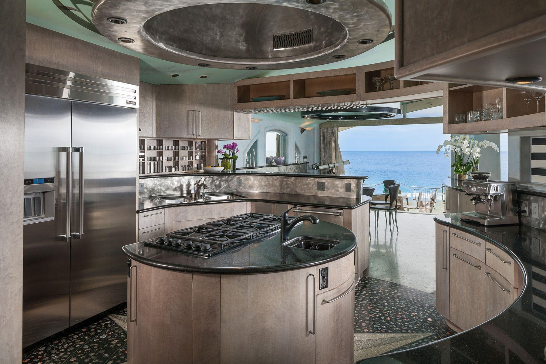 Whimsical Rock House In Laguna Beach In 2020 House On The Rock