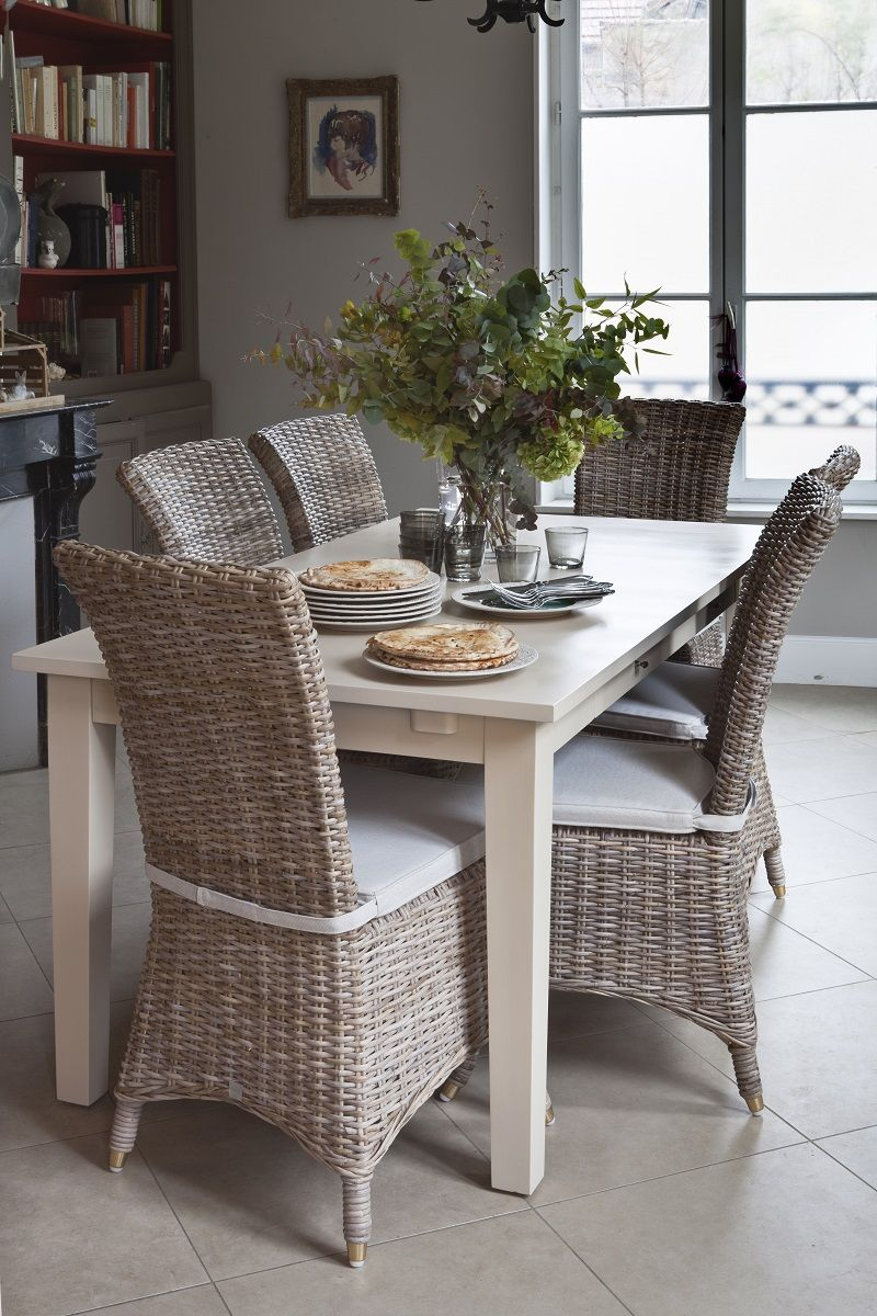 salle a manger ceruse table manger extensible montreal en bois massif blanc crus cm with salle. Black Bedroom Furniture Sets. Home Design Ideas