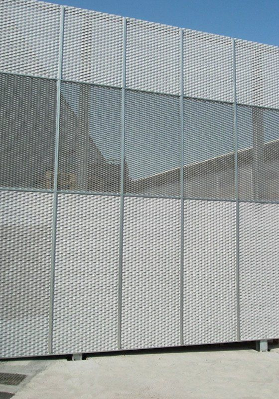 Expanded metal and wire mesh balustrade, staircase cladding ...