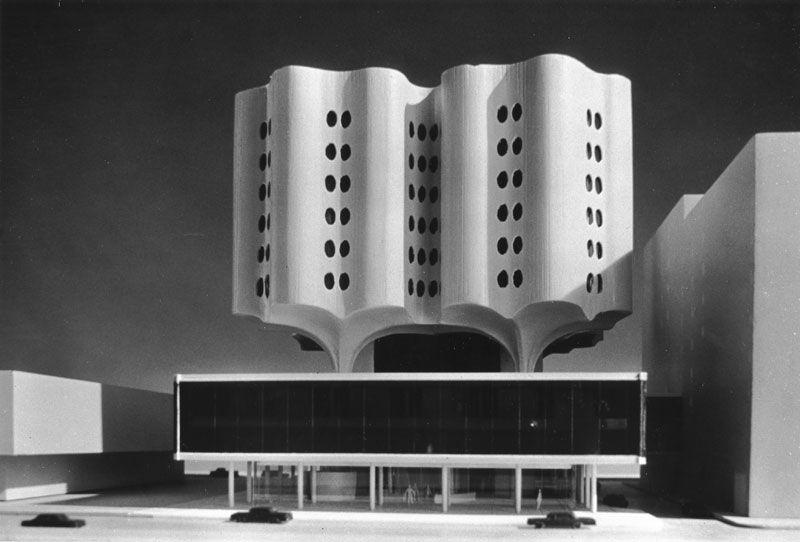 Prentice Women's Hospital model: Bertrand Goldberg
