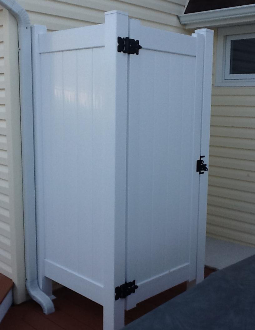Outdoor shower enclosures enclosures enclosures - Outdoor shower enclosure ideas ...