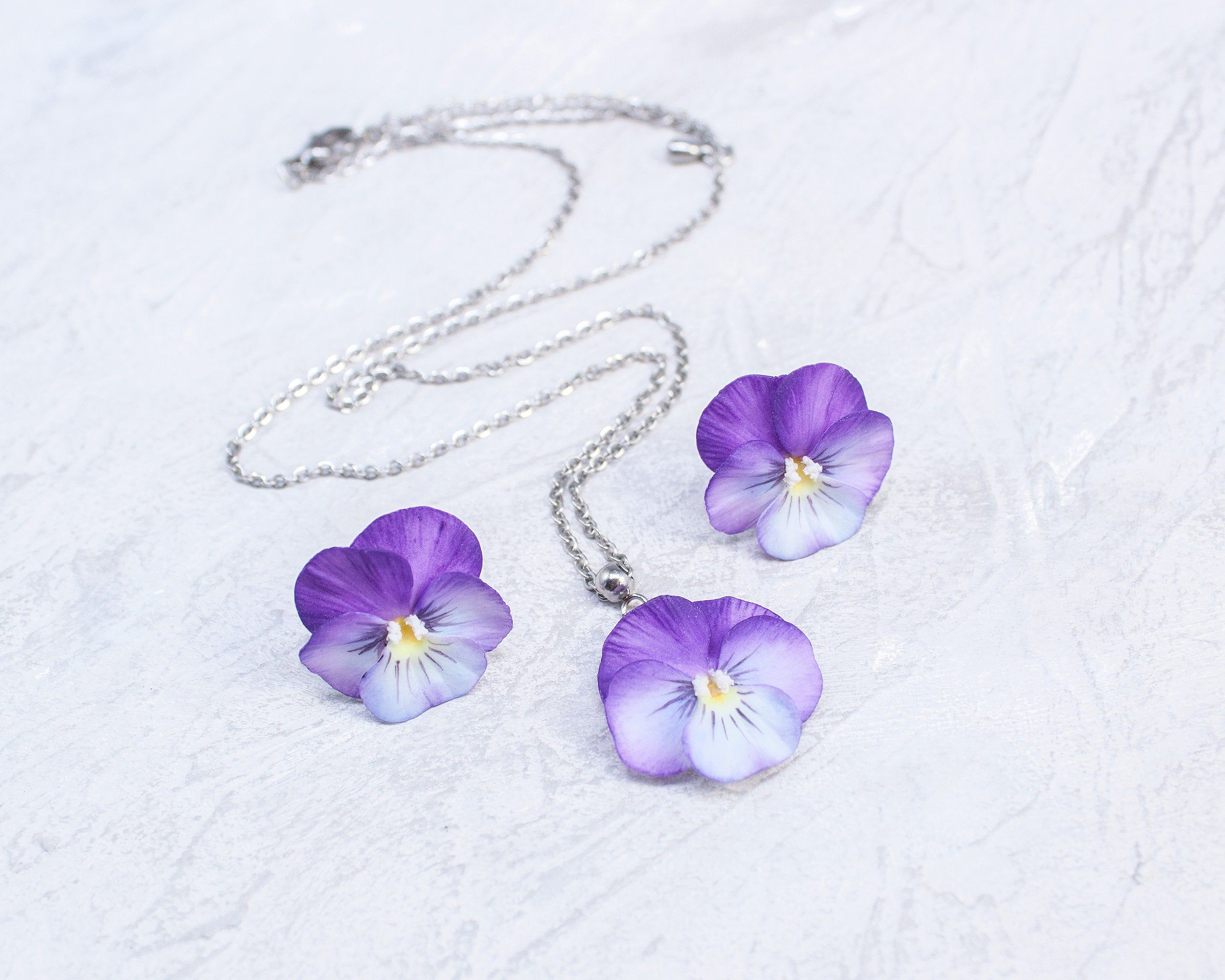 Set Of Jewelry With Pansies Stud Earrings And Pendant Etsy In 2020 Stud Earrings Floral Jewellery Jewelery