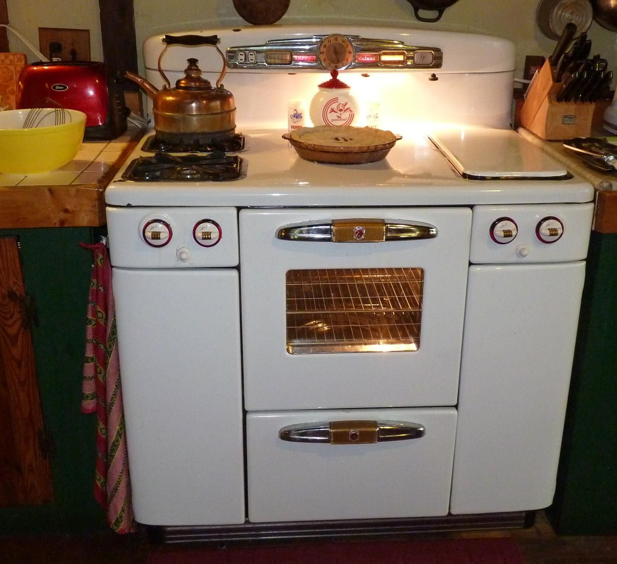 retro kitchen stoves home depot faucets moen 1950 39s moffat electic stove oven range kitchens