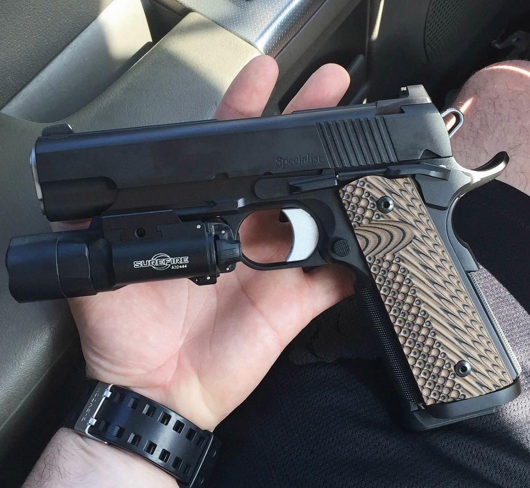 Pin em Colt Officer ACP