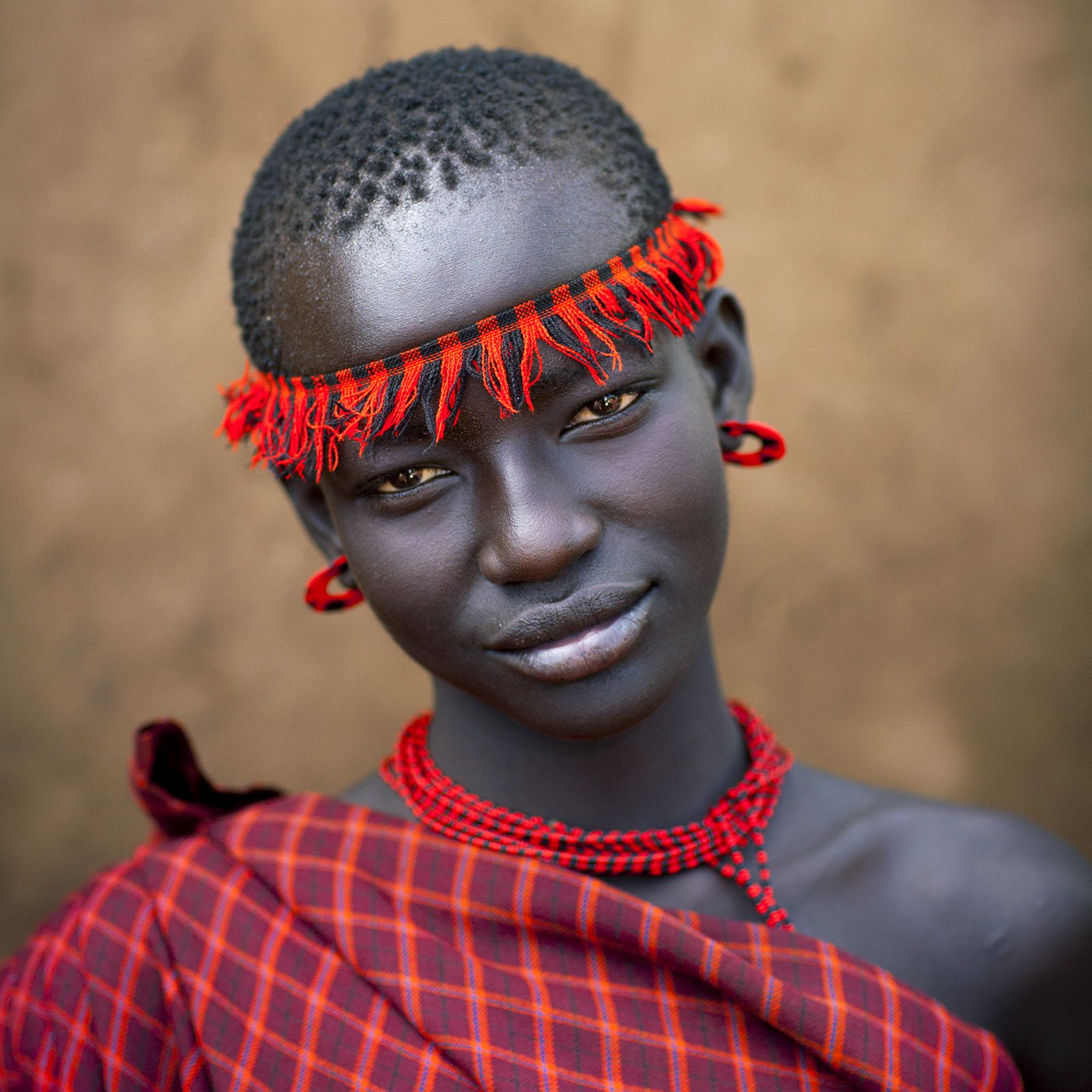 Bodi tribe woman, moo valley, Ethiopia  http://itunes.com/apps/lafforgueHD