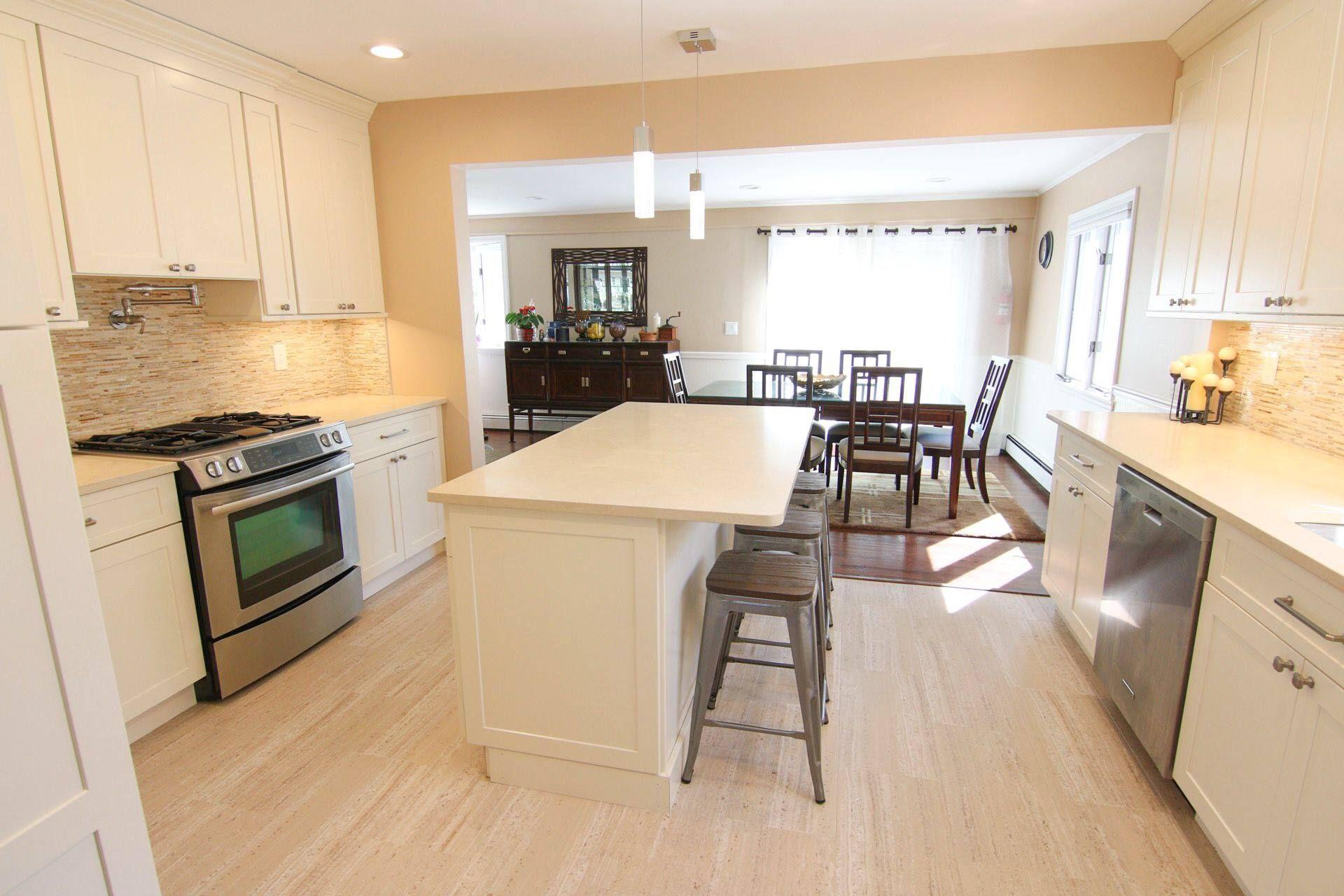 Superb White Kitchen, Beige Kitchen, Quartz, Quartz Countertops, Glass Backsplash,  Countertops,