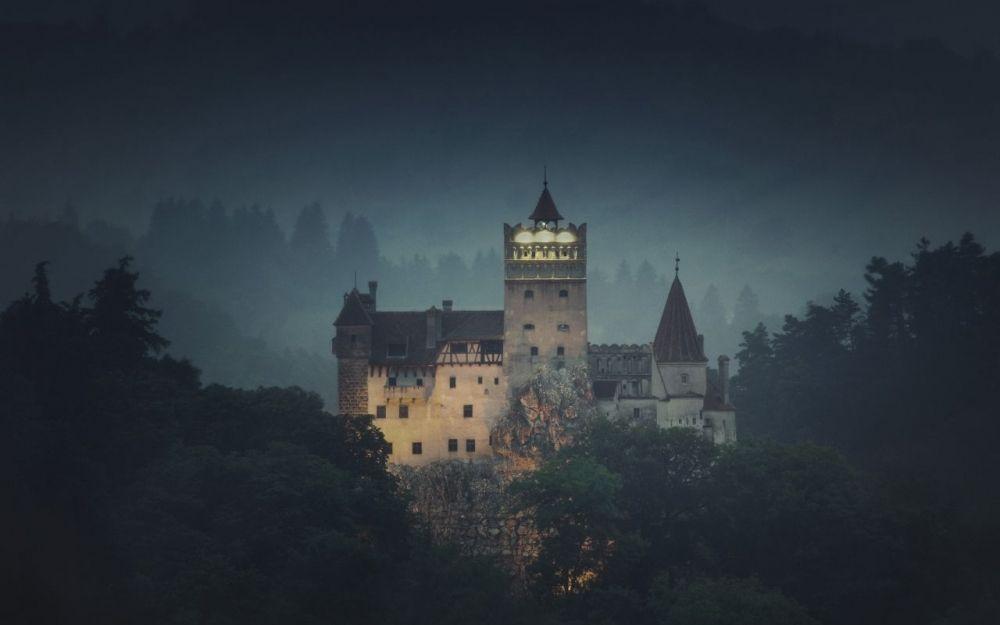 nuit-dracula-halloween-airbnb