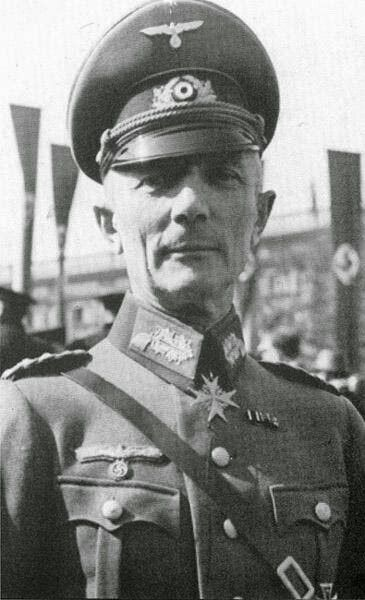 ✠ Fedor von Bock (3 December 1880 – 4 May 1945) Along with his second wife and his stepdaughter — he was killed by a strafing British fighter-bomber. Pour le Mérite (1 April 1918) RK 30.09.1939 Generaloberst OB HGr. Nord