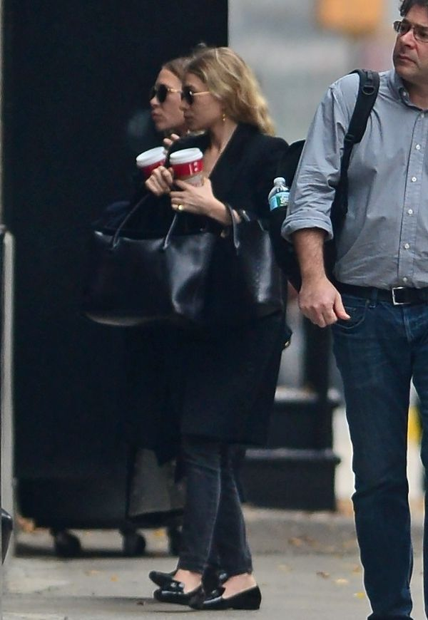 Mary-Kate + Ashley   Black On Black In Nyc