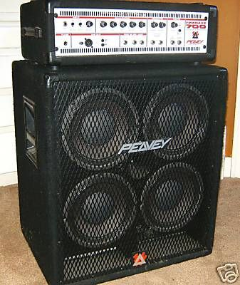 Peavey Firebass 700 watt solid state bass amp and cab. Very loud ...