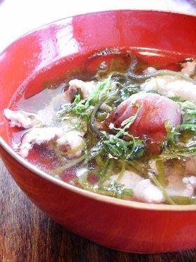 豚肉とめかぶの梅スープ