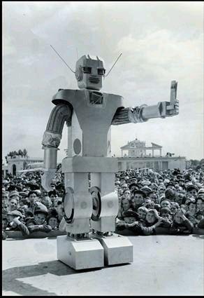 Vadim Viktorovich Mackevich Archives Cyberneticzoo Com Vintage Robots Cool Robots Retro Robot