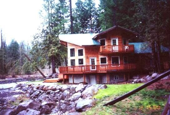 unitedstatesofamerica oregon secluded hood mt near rhododendron pacificwest rental cabin rentals cabins