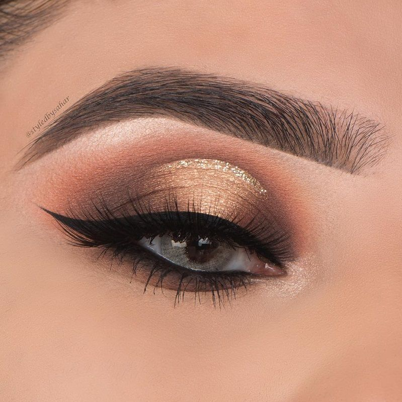 Shimmery eye shadow
