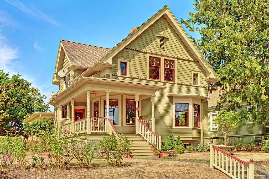 NOTE Classic Farmhouse Exterior