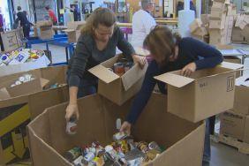 Winnipeg Harvest feeding families in need for Thanksgiving - http://www.newswinnipeg.net/winnipeg-harvest-feeding-families-in-need-for-thanksgiving/
