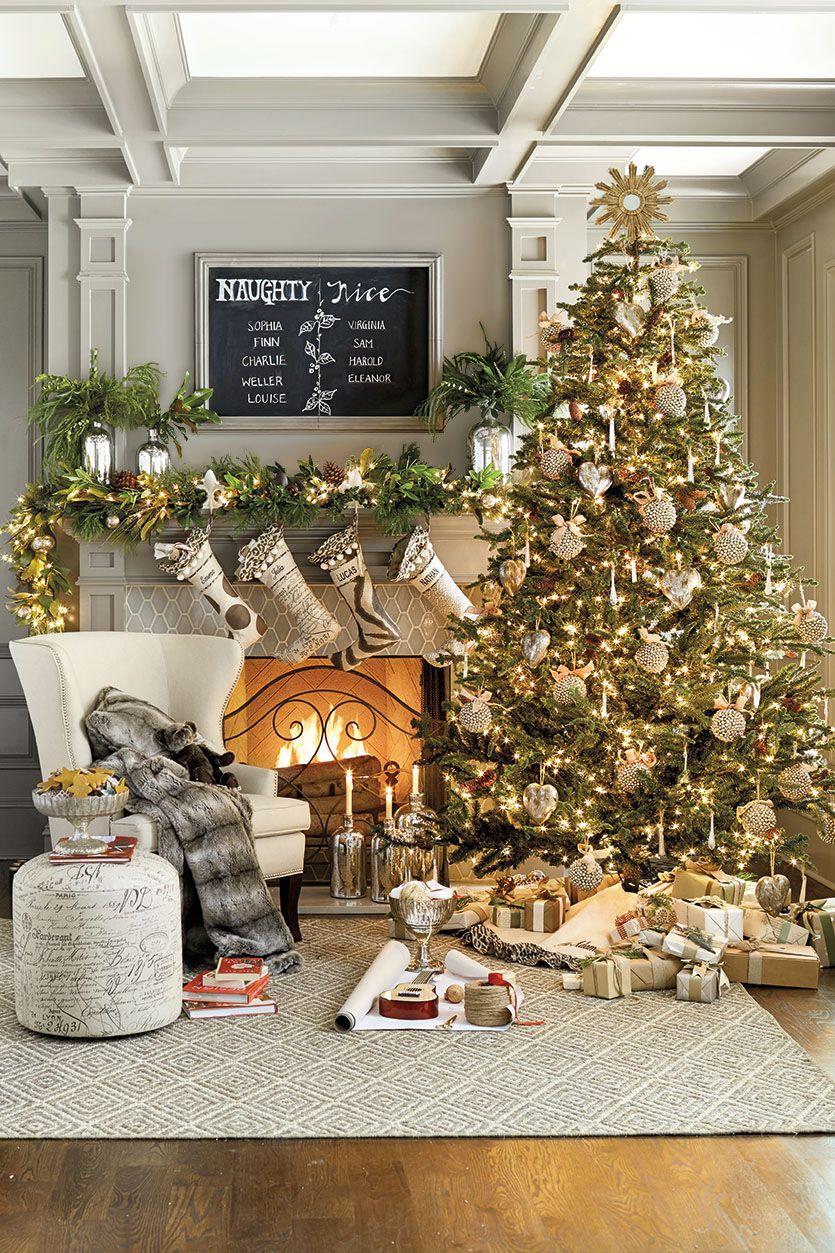 30 Modern Christmas Decor Ideas For Delightful Winter Holidays Beautiful Christmas Christmas Home Gold Christmas Tree