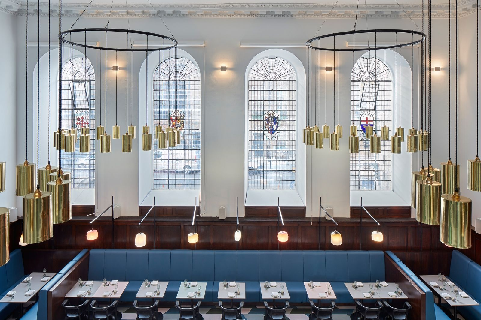 Hong Kong S Most Fashionable Restaurant Finds A New Home In An Old London Church Interior Design London London Picture Gallery Hospitality Design