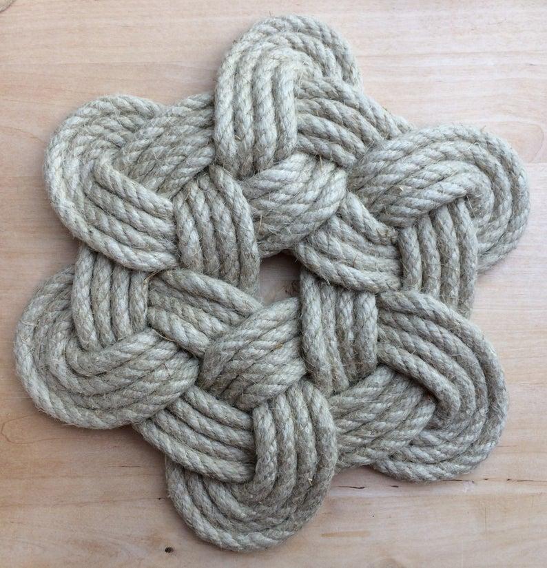 Mariene Touw Mat Decoratie In Hennep Geheugen Van Bretagne Vintage Geschenk Hieronder Van Gerechten In 2020 Marine Rope Gift Containers Rope Crafts