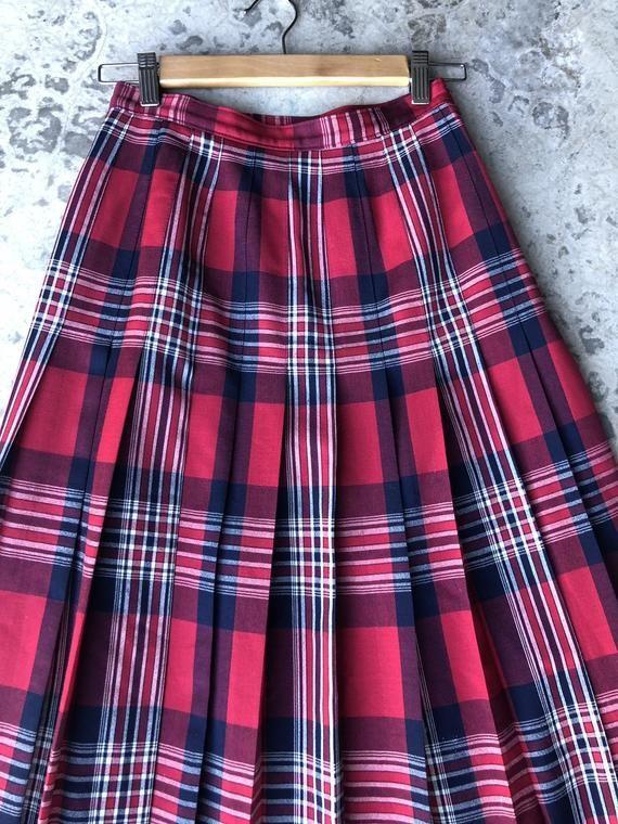 f13f6c0e2e Classic Vintage PENDLETON Lightweight Virgin Wool Tartan Plaid Midi Skirt  Size 6 or Women s Small