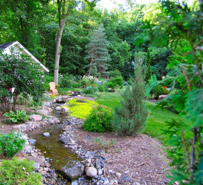 7 Affordable Landscaping Ideas For Under 1 000: Backyard Creek. I Want One Sooooo Bad!