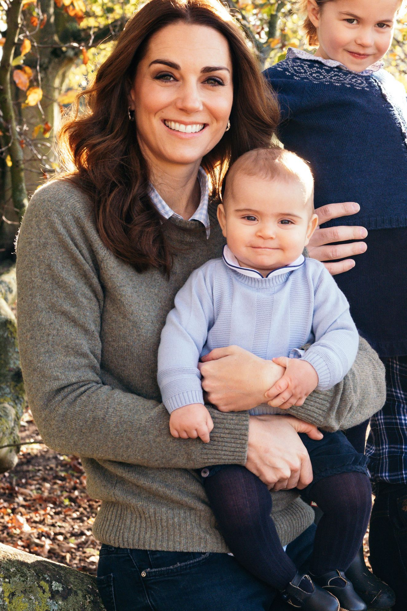 Prince Louis Holding Kate S Hand In Their Christmas Card Is So