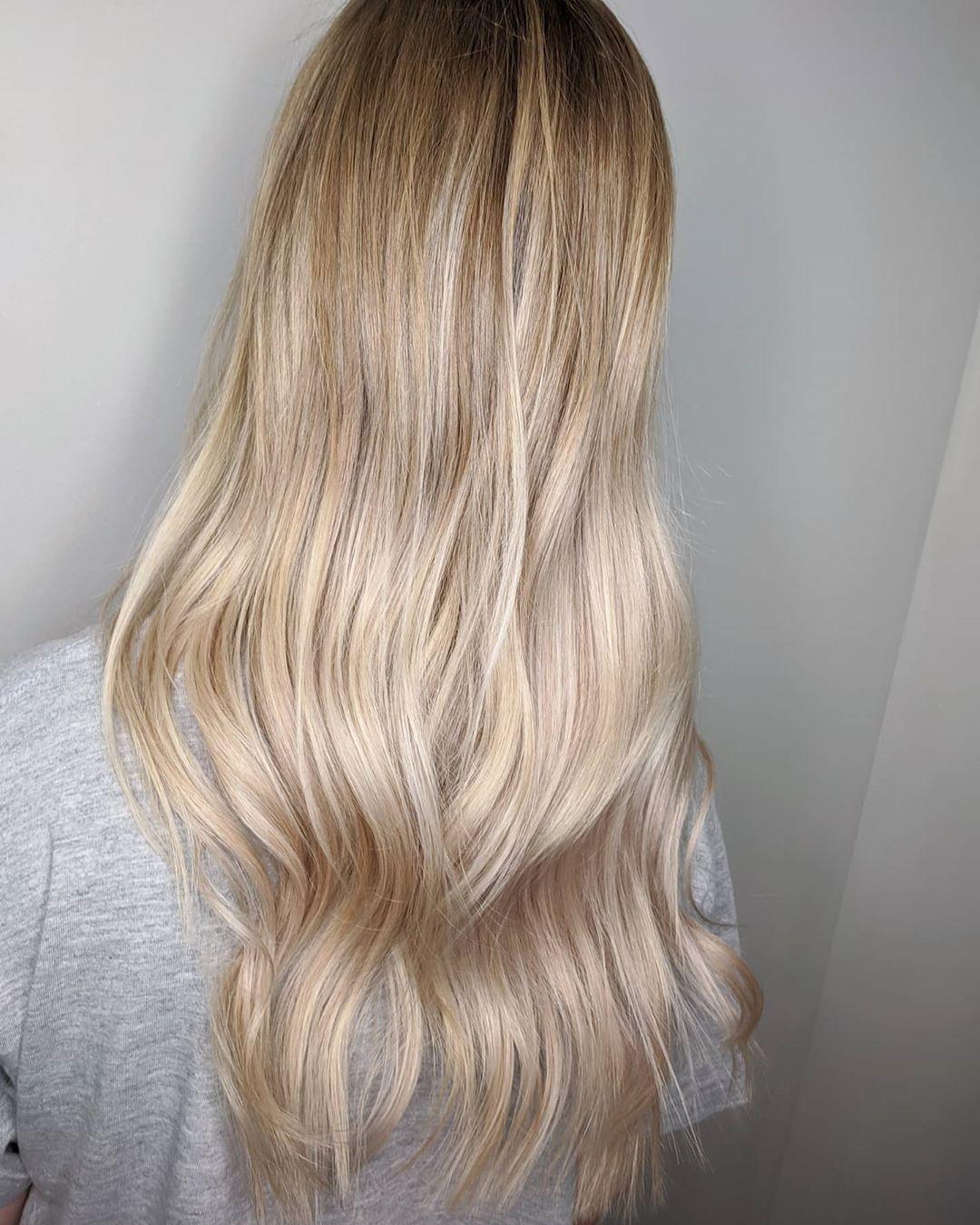 Lived in Blonde ✨✨✨ @hairhouseblacktown @hairhouseaustralia @matrix #matrixcolor #matrixaustralia #matrixcolour #matrix #livedinhair #livedinblonde #balayage #balayagehighlights #blonde