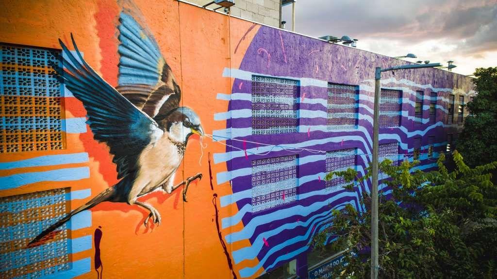 Pintura Em Mural Gigante Colore O Centro De Bh E Valoriza A