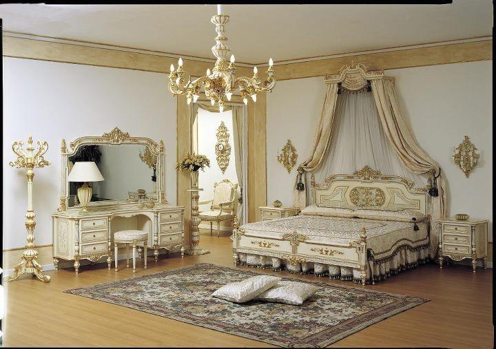 chambre a coucher royale blanc casse dore 2