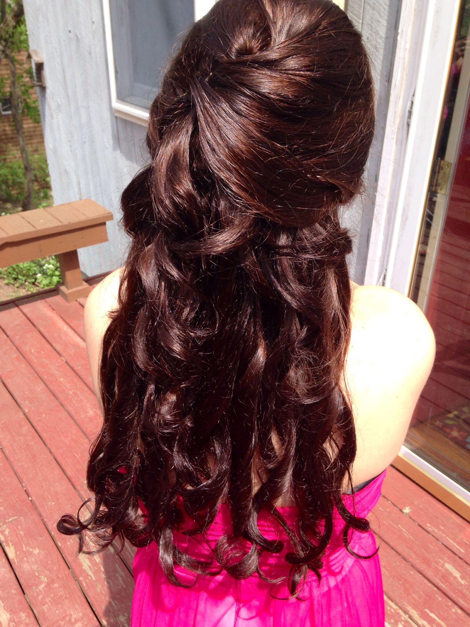 Pin by Samara Gomez on Glam | Prom hair medium length ...