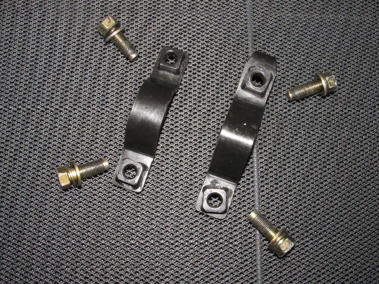 91 92 93 94 nissan 240sx oem front steering rack mounting bracket  91 92 93 94 nissan 240sx oem front steering rack mounting bracket