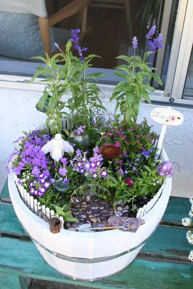 Make your own fairy garden 10 magical ideas irish moss for Irish fairy garden