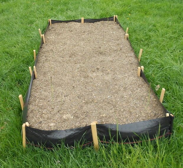 Cheap And Easy Silt Fencing Raised Garden Beds Raised Garden Beds Garden Beds Raised Garden