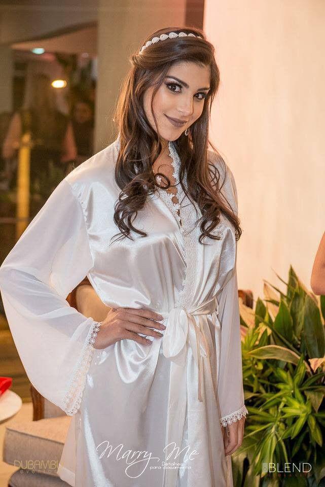 1727f43fd Robe da Noiva Cetim com Musseline veio para dar mais glamour aos robes  personalizados de cetim. O corpo feito em cetim com elastano
