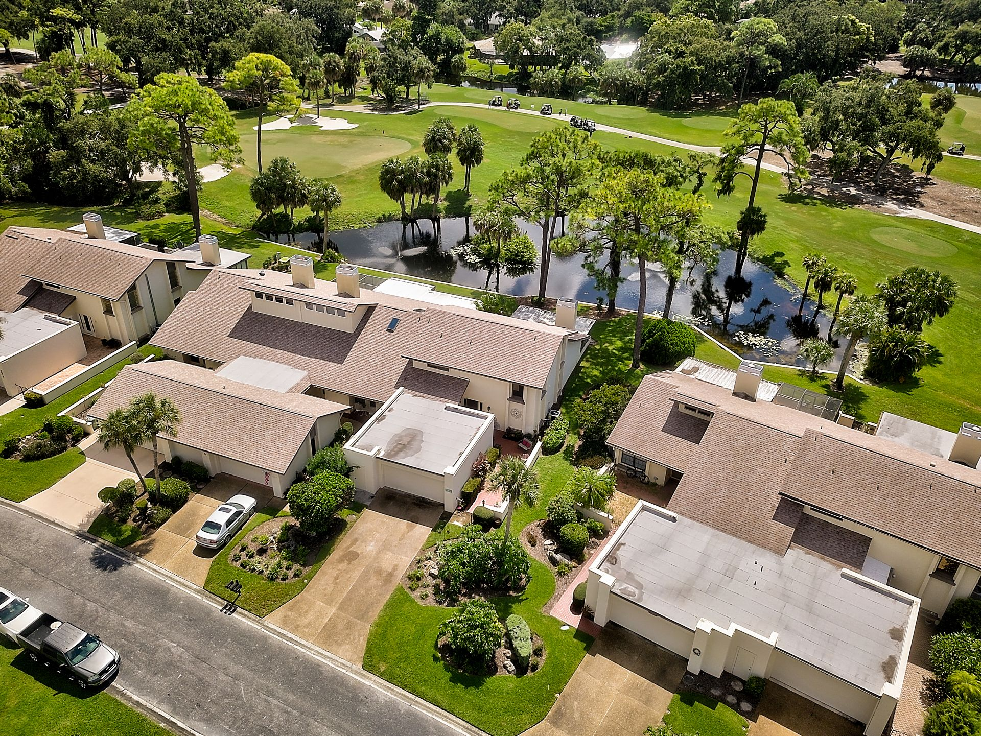 For sale 3bd3ba condo with water golf course views