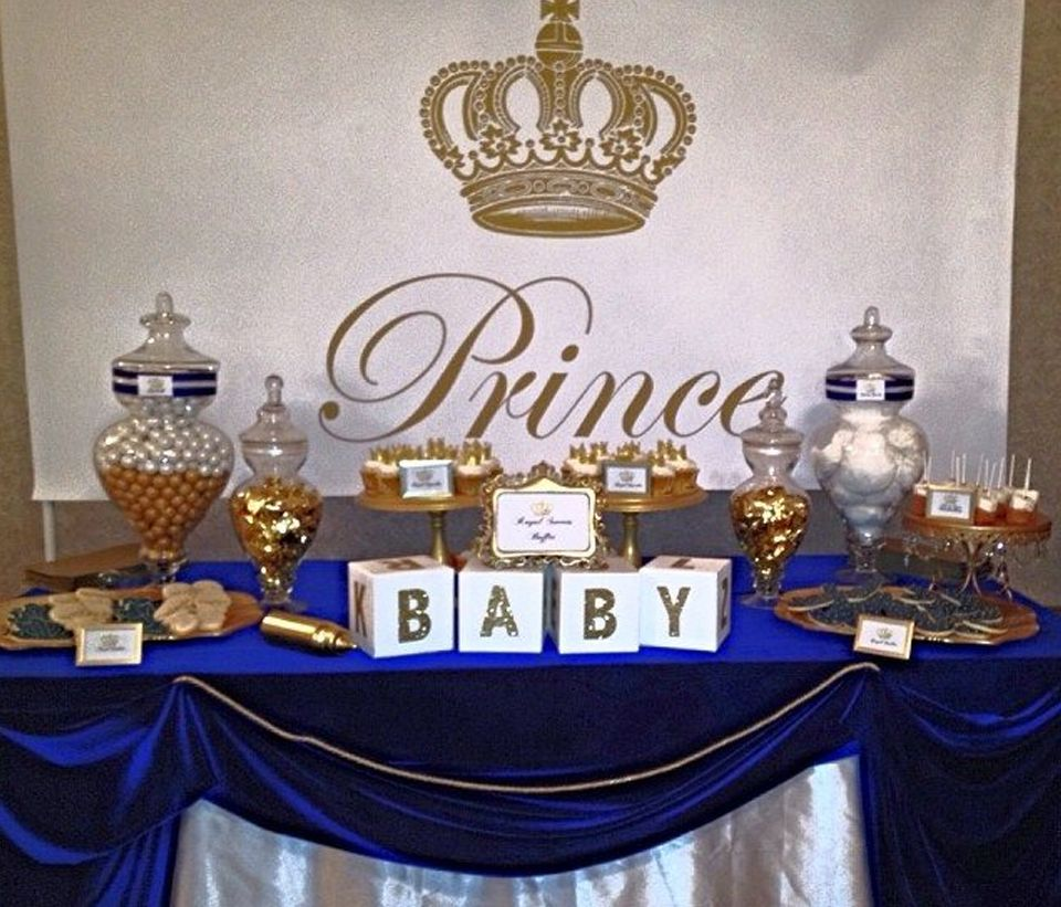 Royal prince baby shower white baby showers blue gold for Baby shower decoration ideas for twin boys