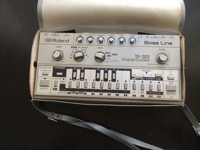 MATRIXSYNTH: Roland TB-303 Bassline Synthesizer SN 231500 with ...