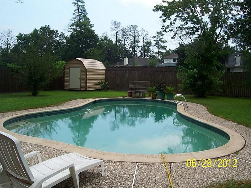 Beautiful pool in large back yard. - Jacinto City, #Texas ...