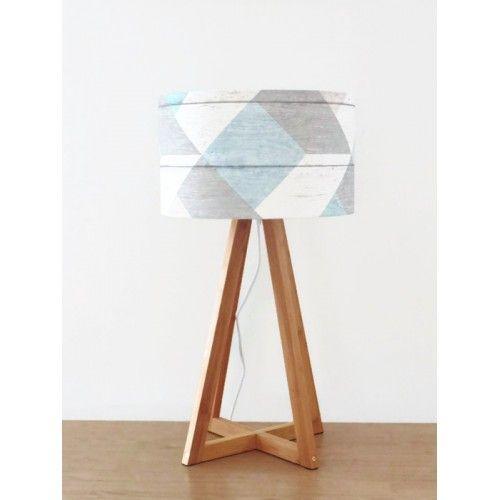 lampe scandinave pied géométrique bois abat jour parquet