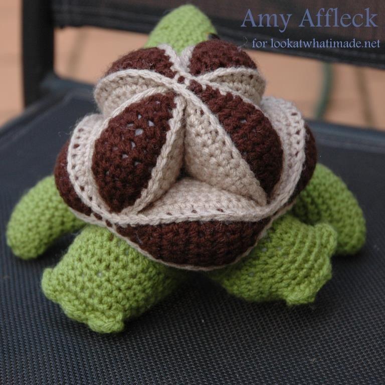 Crochet Turtle Puzzle Amy Affleck 1 Skillie   Crochet Turtle Puzzle...Pattern is free until 5/26/13