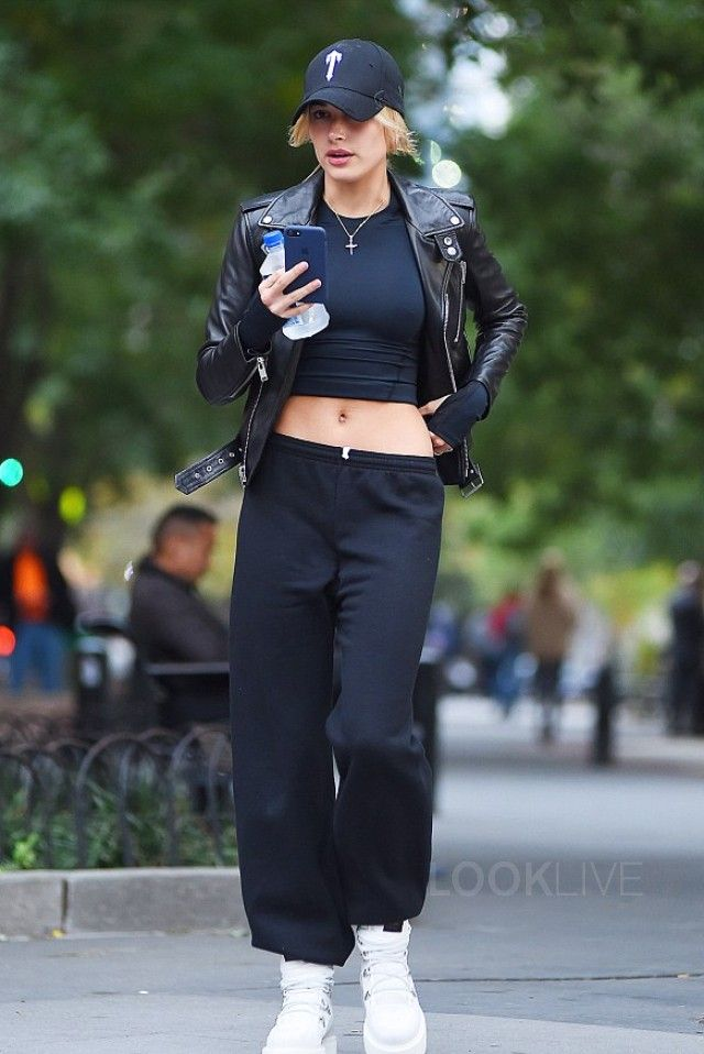 2f9cdebed79 Hailey Baldwin - Steps out in the city on in 2019