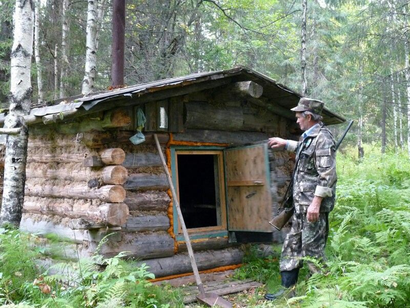 Russian hunter with cabin pinterest for Cabins near hunter mountain