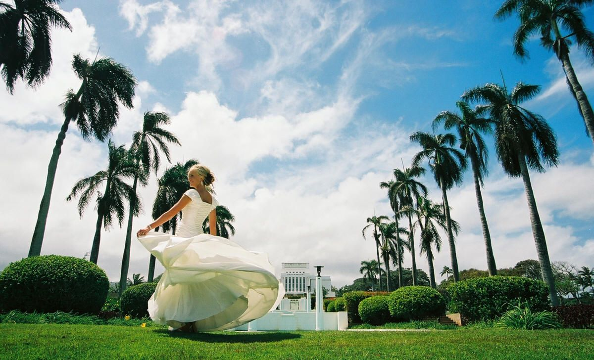 Getting married at the Hawaii Temple would be the coolest thing ...