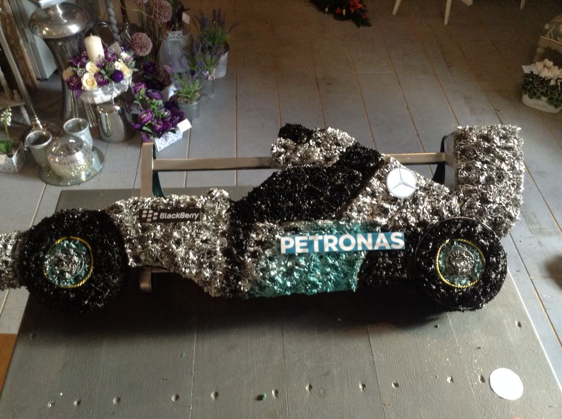 Funeral flowerslewis hamilton funeral racing car tribute www funeral flowerslewis hamilton funeral racing car tribute thefloralartstudio izmirmasajfo