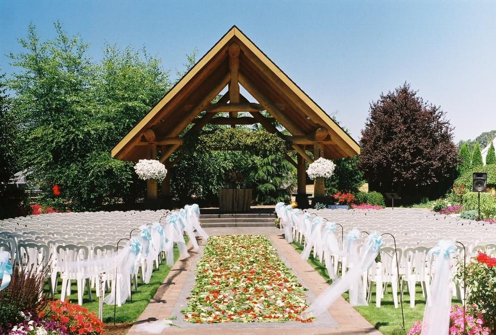 Outdoor Wedding Venue For Portland Oregon Weddings Located In