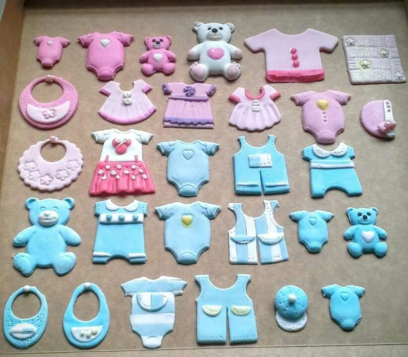 Little Clothes For Wash Line On A Baby Shower Cake Baby Shower