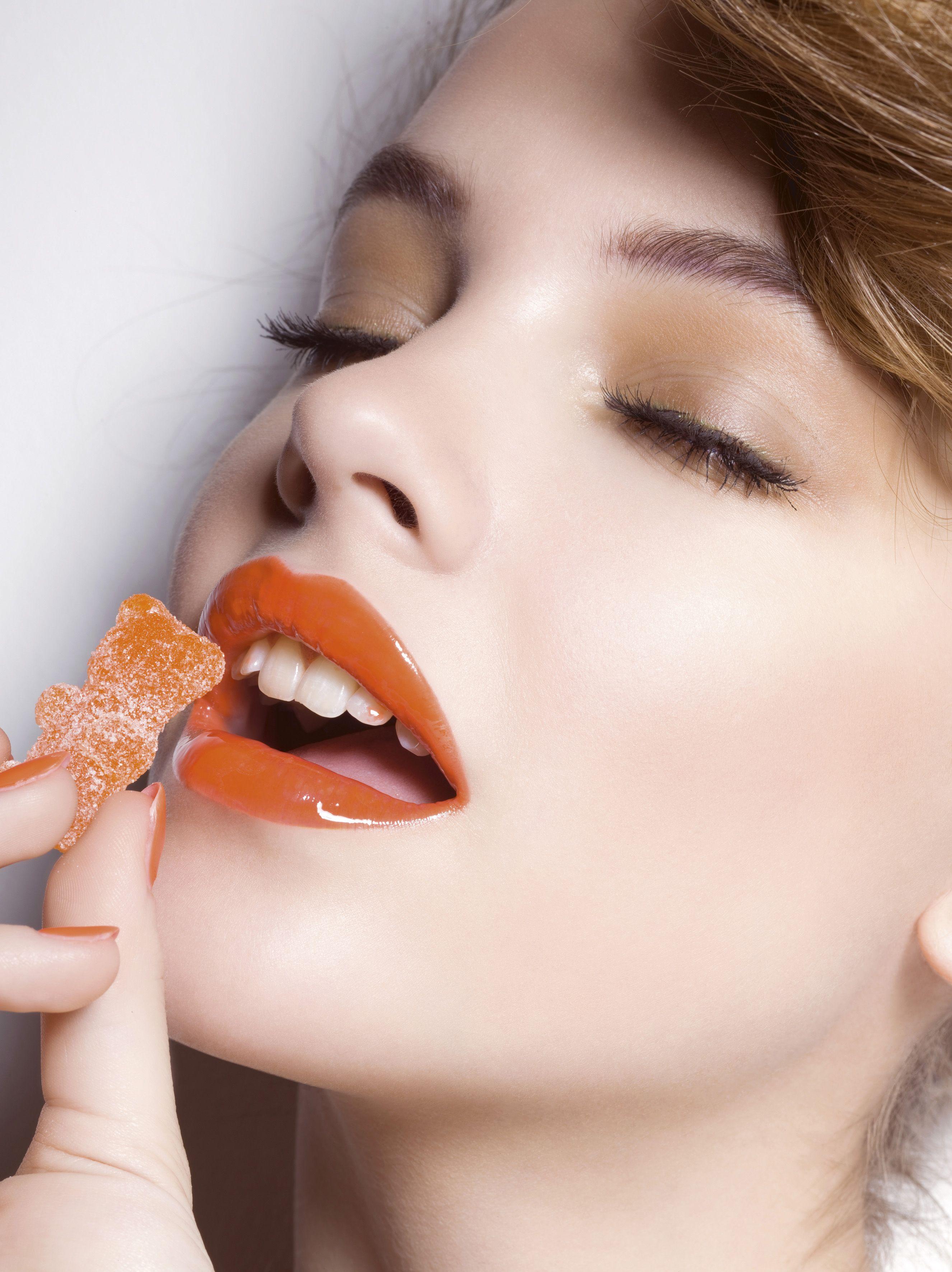 Labios naranjas, la tendencia obligada esta primavera. #beauty #lips