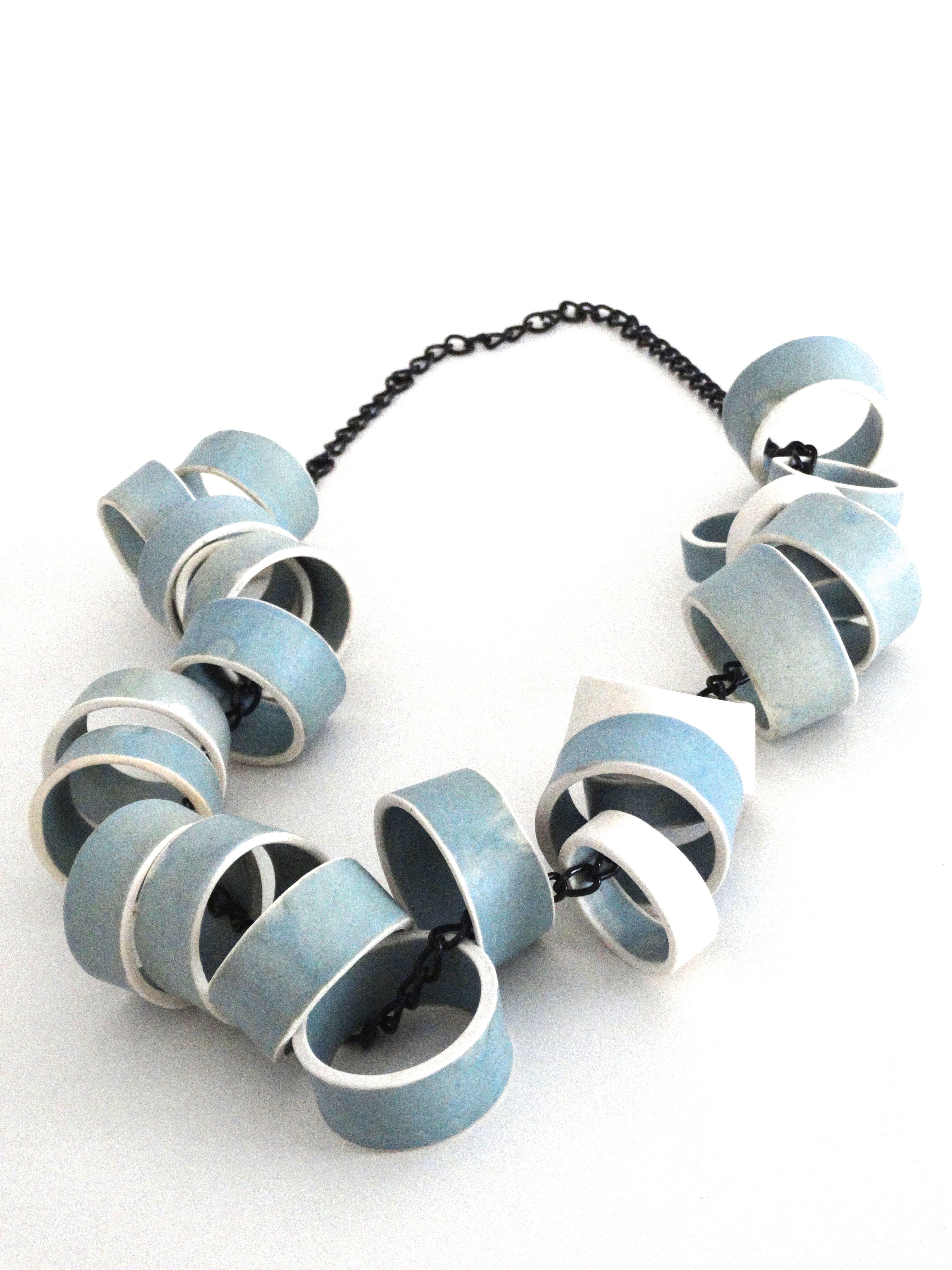 Chain. Cristina Celis. Glazed Stoneware.