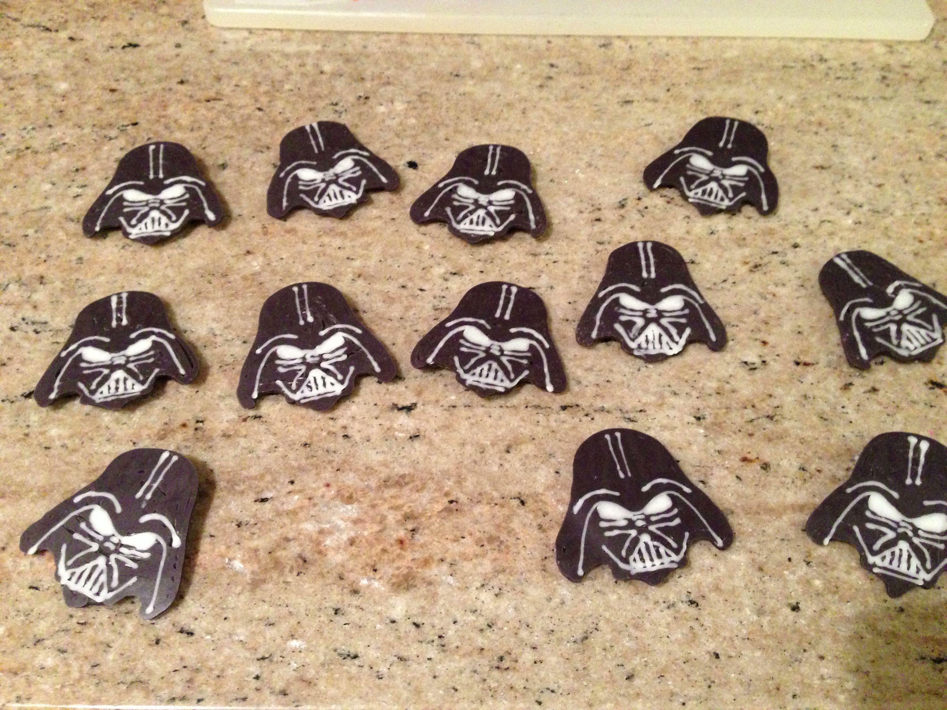 Chocolate Darth Vader cupcake toppers | Jilly Bean Bakes | Pinterest